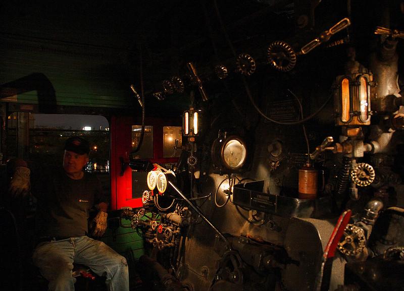 Fireman - Milwaukee Road 261 (American Locomotive Company 4-8-4)