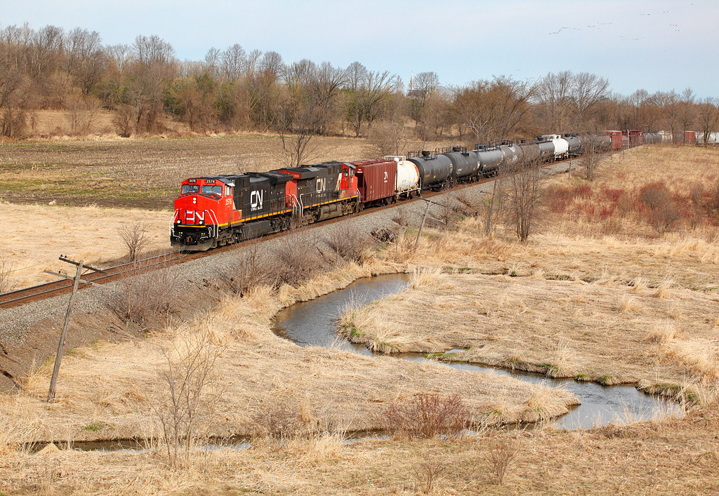 Canadian National 2576 (GE C44-9W) - Hwy 28