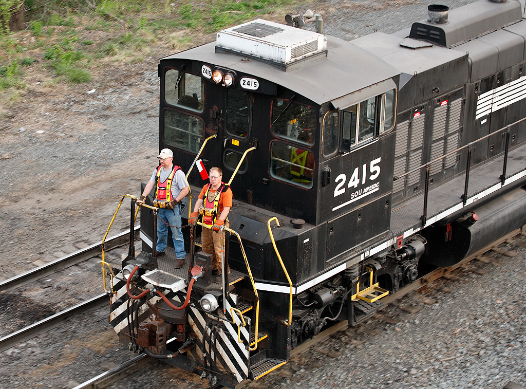 Norfolk Southern 2415 (MP15) - Enola Yard (Harrisburg, PA)