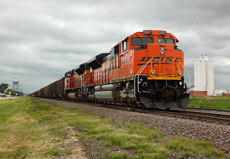 Burlington Northern Santa Fe 9327 (EMD SD70ACe) - Sterling, CO