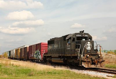 Illinois Central 6066 (EMD SD40-2) - West Bend, WI
