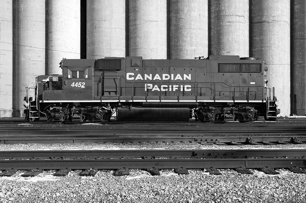 Canadian Pacific 4452 (GMDD GP38-2) Musekgo Yard - Milwaukee, WI