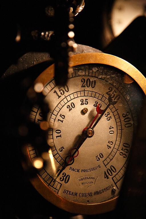 Steam Chest Pressure Gauge - Milwaukee Road 261 (American Locomotive Company 4-8-4)