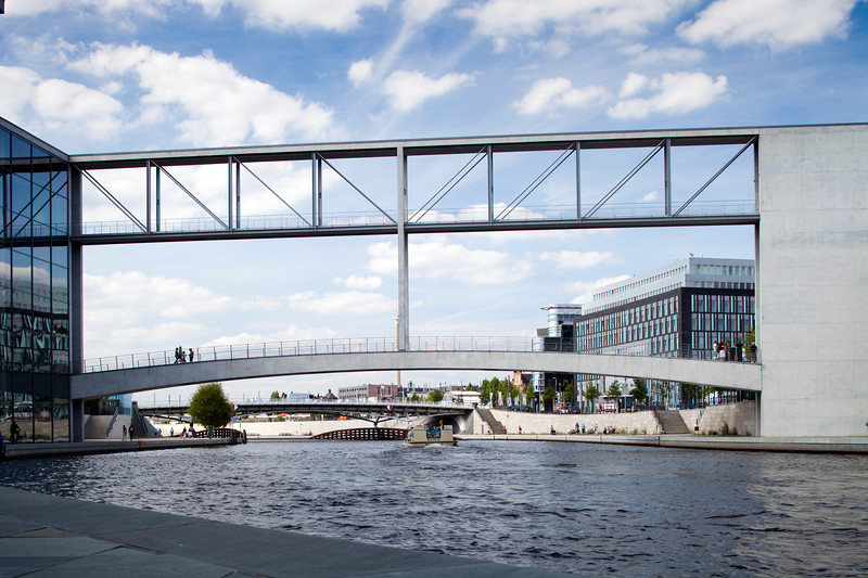 Pedestrian bridge over the Spree between the Lüders and the Löbe Buildings belonging to the German Parliament, Berlin, Germany