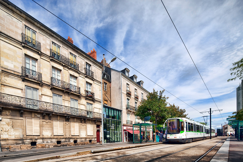 Tram, Boulevard de Stalingrad, Nantes, France