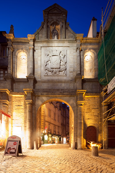 Saint-Vincent Gate, town of Vannes, departament de Morbihan, Brittany, France