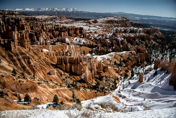 Bryce Amphitheater in Winter