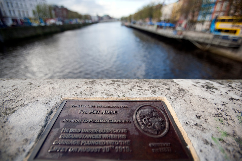 Pat Noise's commemorative plaque, O' Connell bridge, Dublin, Ireland
