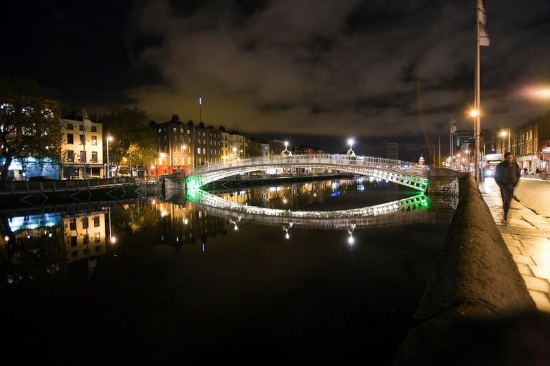 Ha'penny Bridge (Half Penny Bridge) over the Liffey river, Dublin, Ireland