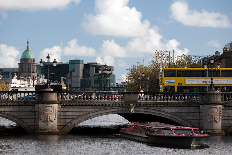 O' Connell bridge over Liffey river, Dublin, Ireland