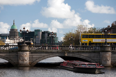 O' Connell bridge over Liffey river, Dublin, Ireland