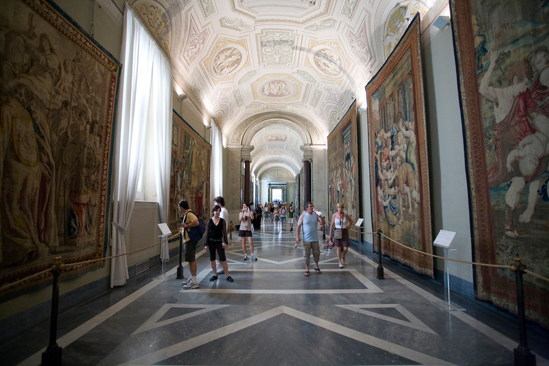 Visitors on tapestry room, Vatican Museums