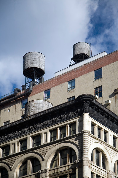 Water tanks on the top of NYC buildings, USA