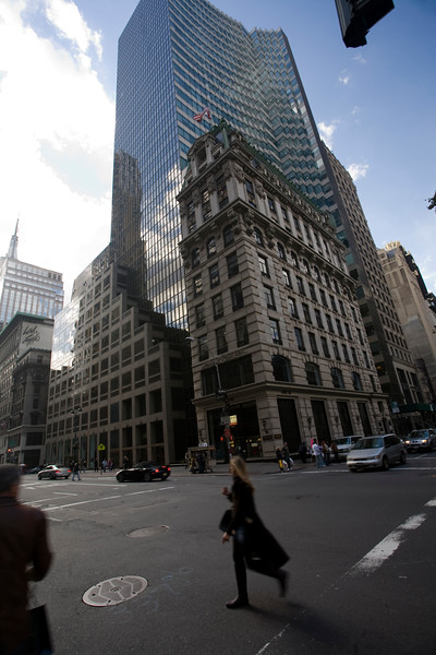 Perspective of the 5th Avenue with the HSBC Bank Tower, NYC, USA