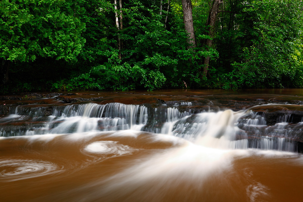 Leafy Ledges - Upper Siskiwit Falls (Siskiwit River - Wisconsin)