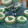 Christmas cup cakes on stand
