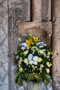 Flowers in niche.