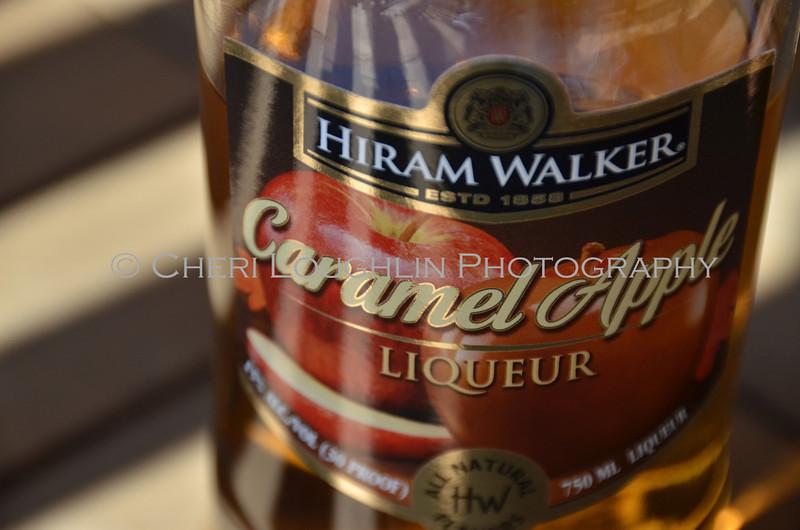 Hiram Walker Caramel Apple Liqueur 015
