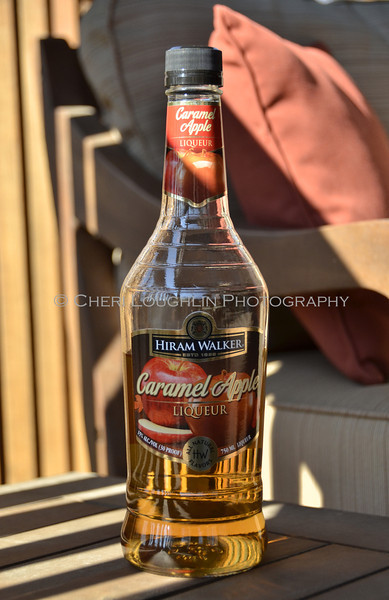 Hiram Walker Caramel Apple Liqueur 010
