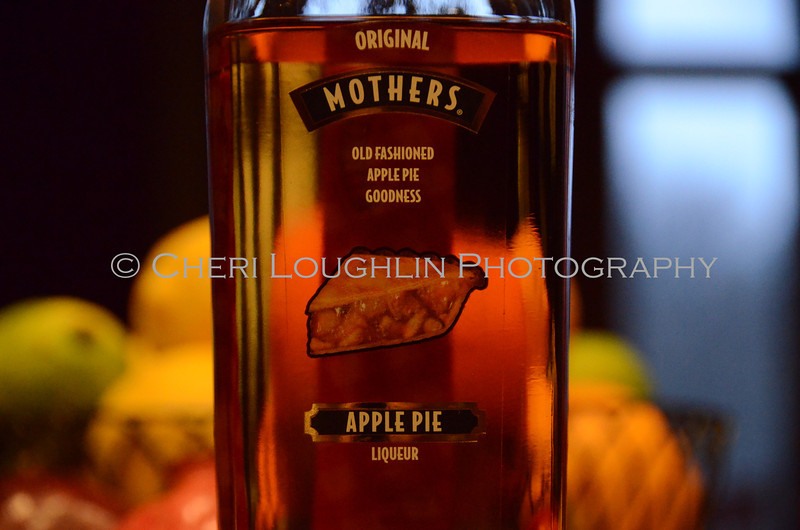 Mothers Apple Pie Liqueur 022