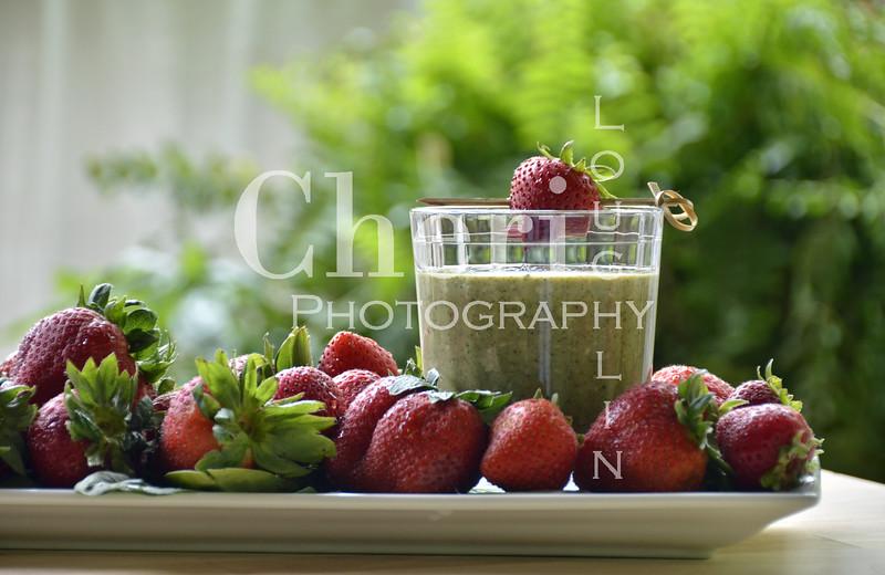 Driscoll's Super Strawberry Spinach Smoothie 042