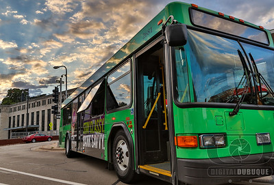 city_bus_jule_downtown_sunset