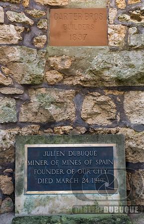Julien Dubuque grave stone