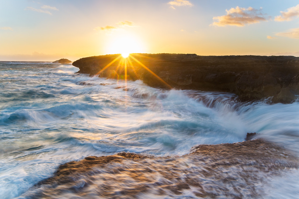 Restless waters - Oahu, Hawaii sunrise