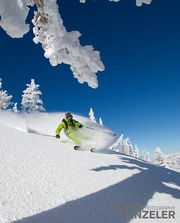 SkiingPhotography_WinterLifestyle_Skiing-Snowbasin-Utah-8238