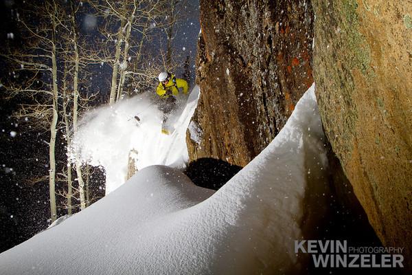 SkiingPhotography_WinterLifestyle_Powder_Winzeler_West_1