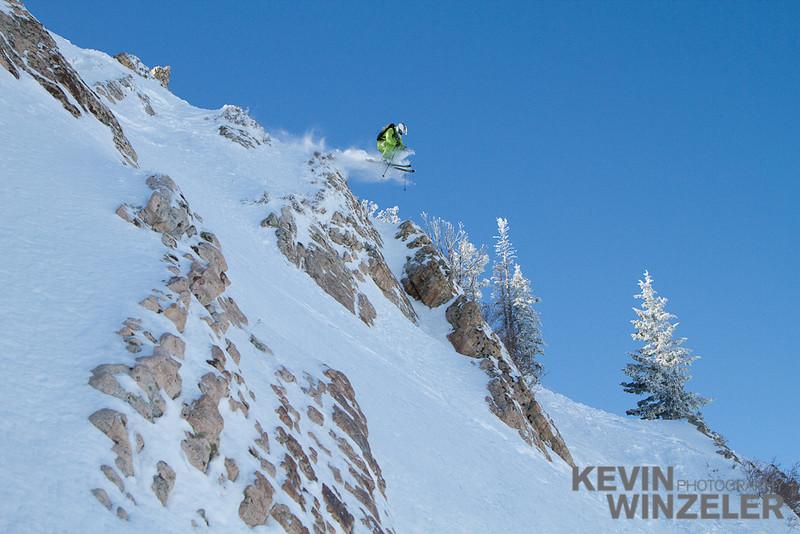 SkiingPhotography_WinterLifestyle_Skiing-Snowbasin-Utah-8349