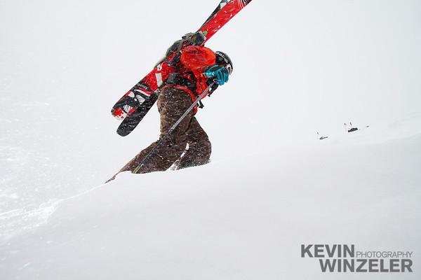 SkiingPhotography_WinterLifestyle_MountainLifestyle_Winzeler_Jacobsen_1