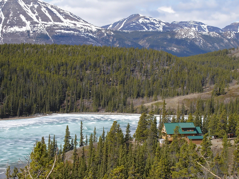 Beautiful and peaceful secluded lodge in the Alaskan wilderness. Fishing and hunting abound all within a few miles.