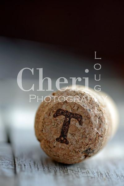 T Champagne Cork 608