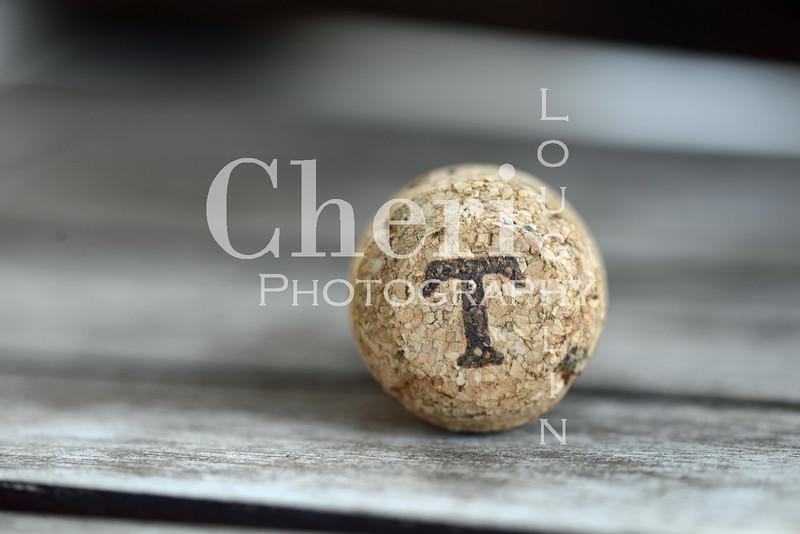 T Champagne Cork 626