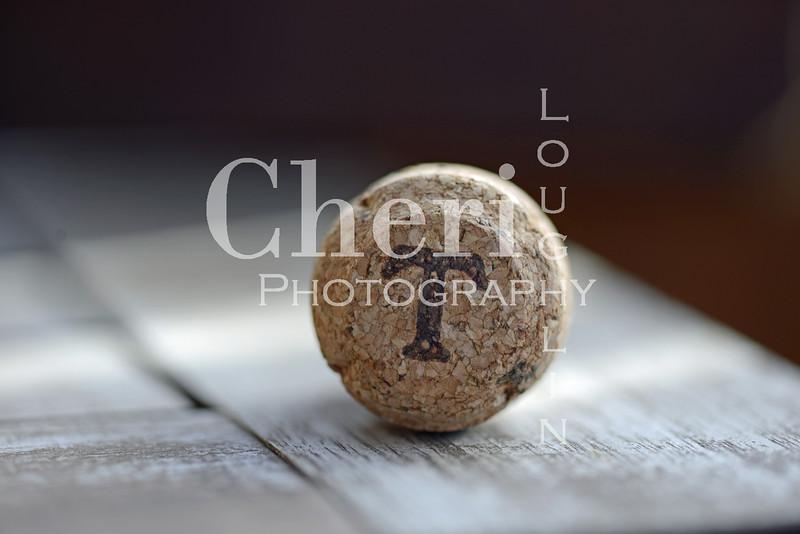 T Champagne Cork 601