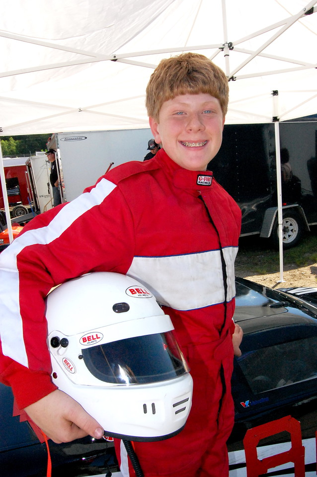 Mini Cup Driver:Justin Fontaine Car #84 Hometown:Fletcher, NC Sponsors:N/A First Race:2009- Salsiberry, NC quarter midget First Win :2008 Salsiberry Nc