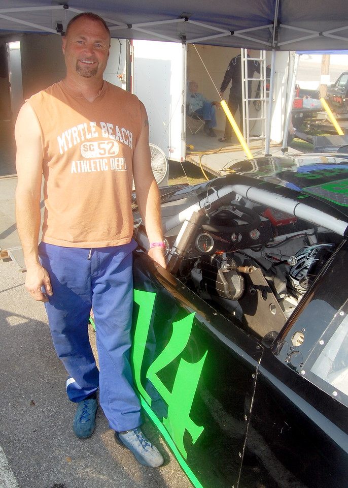 Mod 4 Driver:(Ray) Kenneth Frazier Car #14 Hometown:Newport, TN Sponsors:Precious Memories Child Care, Foust Screen & Designs First Race:2005-Newport Motor Speedwayy Mod 4 First Win :2005- Newport Motor Speedway Mod 4