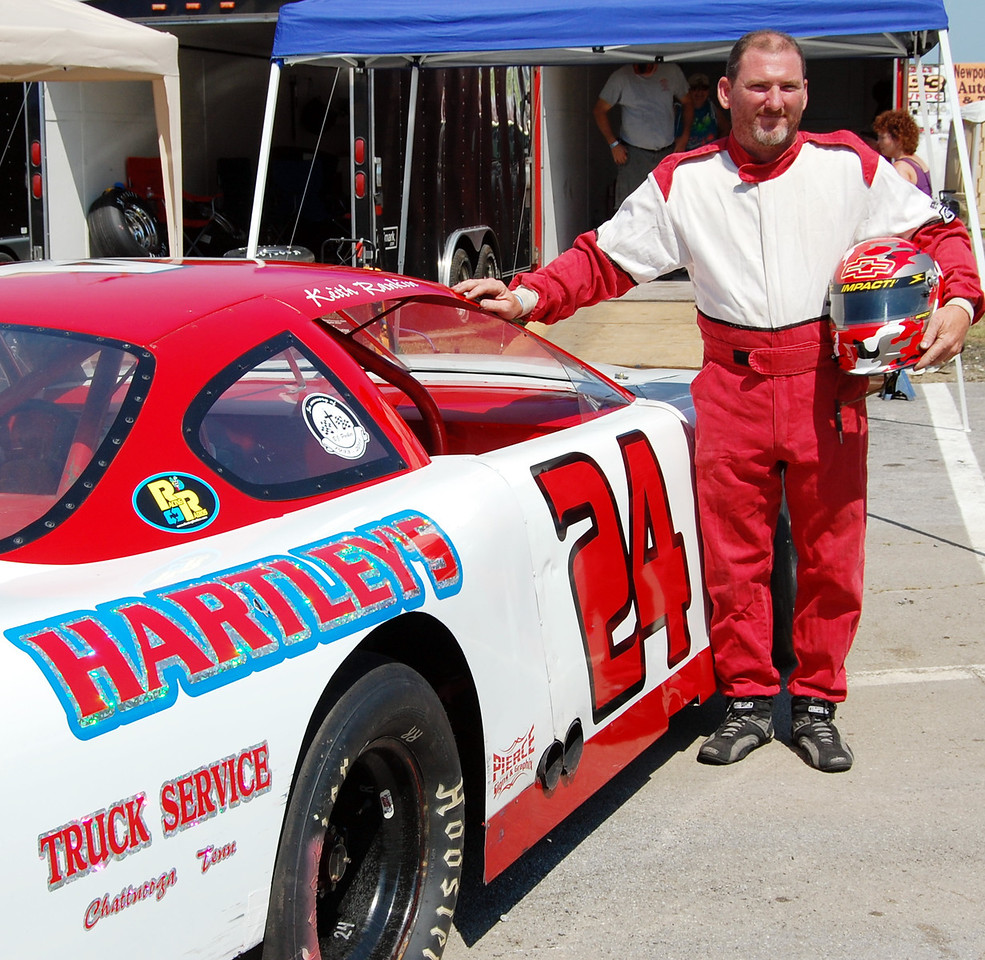 Super Late Model Division Driver:Keith Rankin Car #24 Hometown:Chattanooga TN Sponsors:Hartley Truck Service First Race:1993 SLM Division-411 Motor Speedway-Seymour TN First Win :1993 411 Motor Speedway-Seymour TN