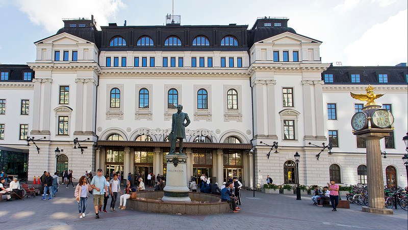 The railway station in Stockholm - in front Nils Ericsson