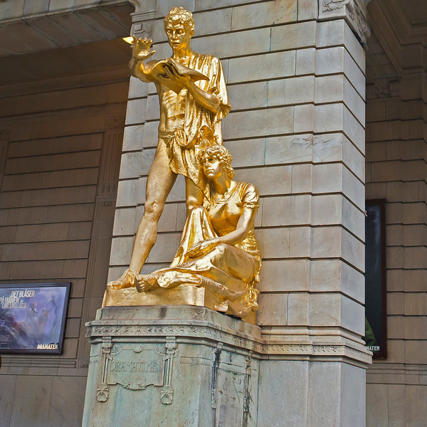 Statue in front of Royal Dramatic theater
