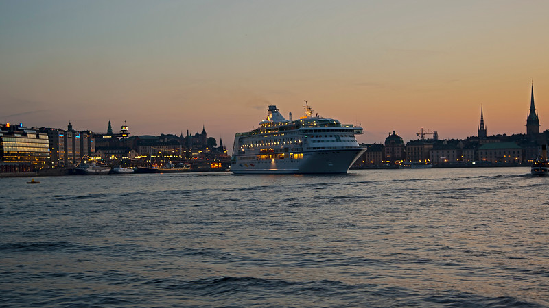 Harbour of Stockholm in sunset 21.32