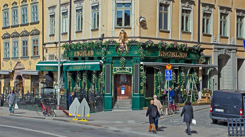 PUB / Restaurant Engelen, Old town
