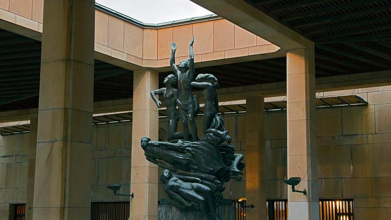 World Heritage Skogskyrkogården, Uppståndelsemonumentet, Skulpture av John Lundqvist, Stockholm Sweden