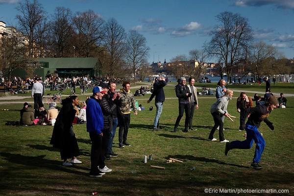 STOCKHOLM AU TEMPS DU COVID 19. ALORS QUE TOUTE L EUROPE SE CONFINE, STOCKHOLM CHOISIT DE RESTER UNE VILLE OUVERTE.  Parc de Rålambshov