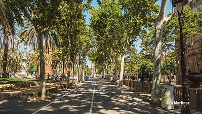 ArcDelTriomf Classic Pedestrian Tree Monument July Classic July Bcn-15