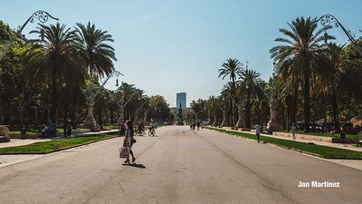 ArcDelTriomf Classic Pedestrian Tree Monument July Classic July Bcn-7