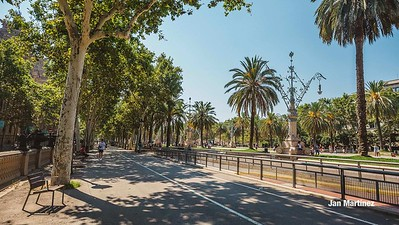 ArcDelTriomf Classic Pedestrian Tree Monument July Classic July Bcn-12