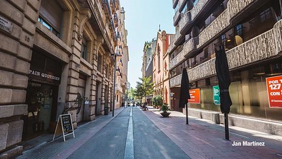 Diagonal Lateral Street Classic Pedestrian Tree Monument July Classic Bcn-50