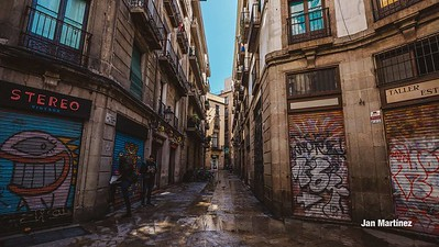 Milans Street Gotic Classic Narrow Bcn-8